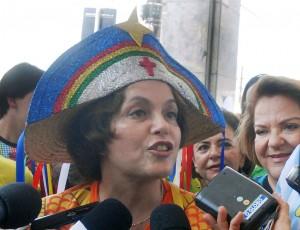 Dilma Roussef im Karneval in Recife © Antonio Cruz/ABr